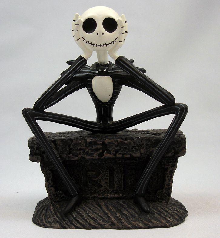 Nightmare Before Christmas - Statuette Monogram - Jack Skellington assis sur pierre tombale