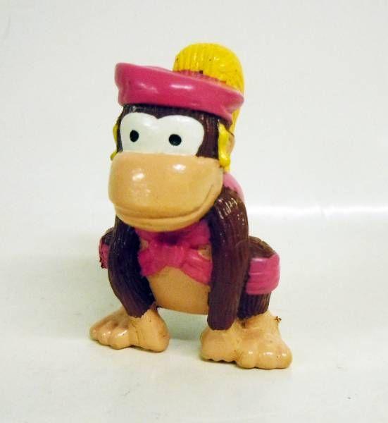 Nintendo Universe - Donkey Kong - Kelloggs Premium Plastic Figure - Dixie Kong