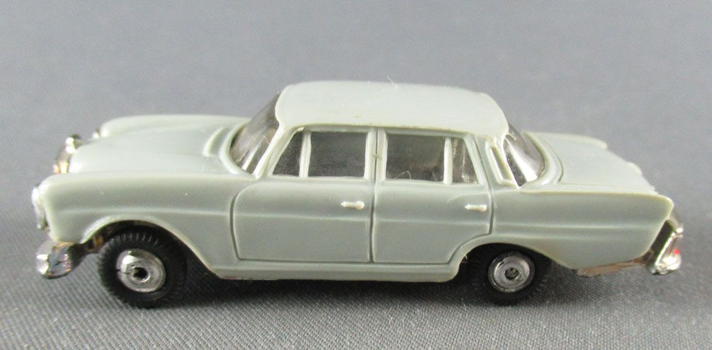 Norev Micro-Miniatures N°505 Ho 1/86 Mercedes Benz 220SE Grey Metallized Wheels Weighted