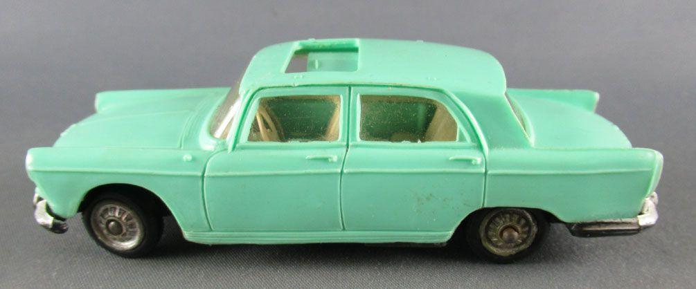 Norev N°51° Peugeot 404 Light Blue Opening Roof Servo Direction 1:43