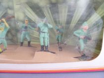 Oliver - WW2 - Diorama box with 8 Japanese Footed Soldiers