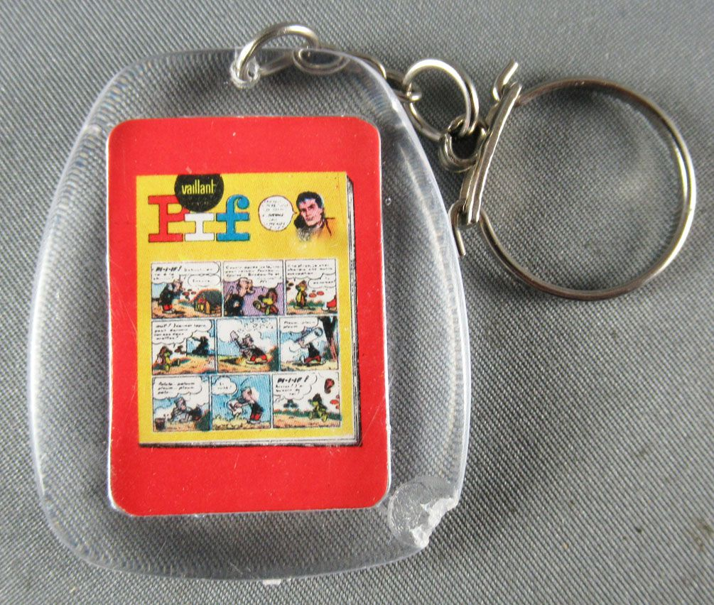 Pif Gadget - Key chain (Vaillant) - Pif the dog (chasing a sausage)
