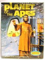 Planet of the apes - Aurora/Playing Mantis Model kit - Dr. Zira
