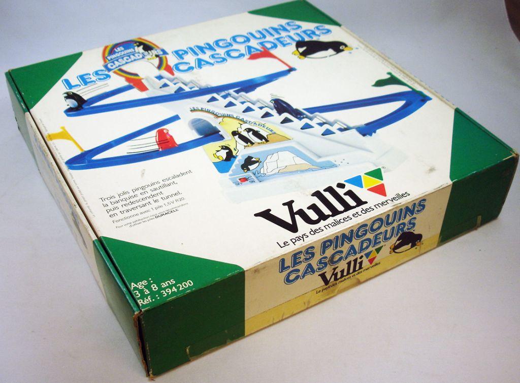 les_pingouins_cascadeurs___jouet_mecanique___vulli__2_