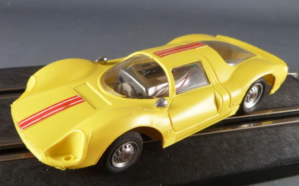 Polistil Policar P70 A70 - Yellow Ferrari P3 1:32