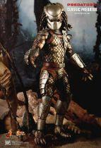 "Predators - Classic Predator - 14\"" figure Hot Toys MMS 162"