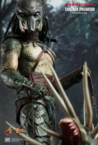 "Predators - Tracker Predator With Hound - 14"" figure Hot Toys MMS 147"