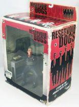 reservoir_dogs___scene_deluxe_mr_blonde___marvin_nash___mezco__2_