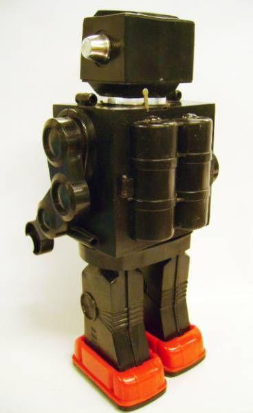 Robot - Battery Operated Walking Robot - Fighting Spaceman