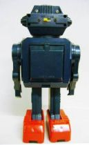 Robot - Battery Operated Walking Robot - Shooting Smoke Robot