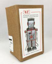 Robot - Mechanical Walking Tin Robot - Strand Robot (N.R.) MS502A