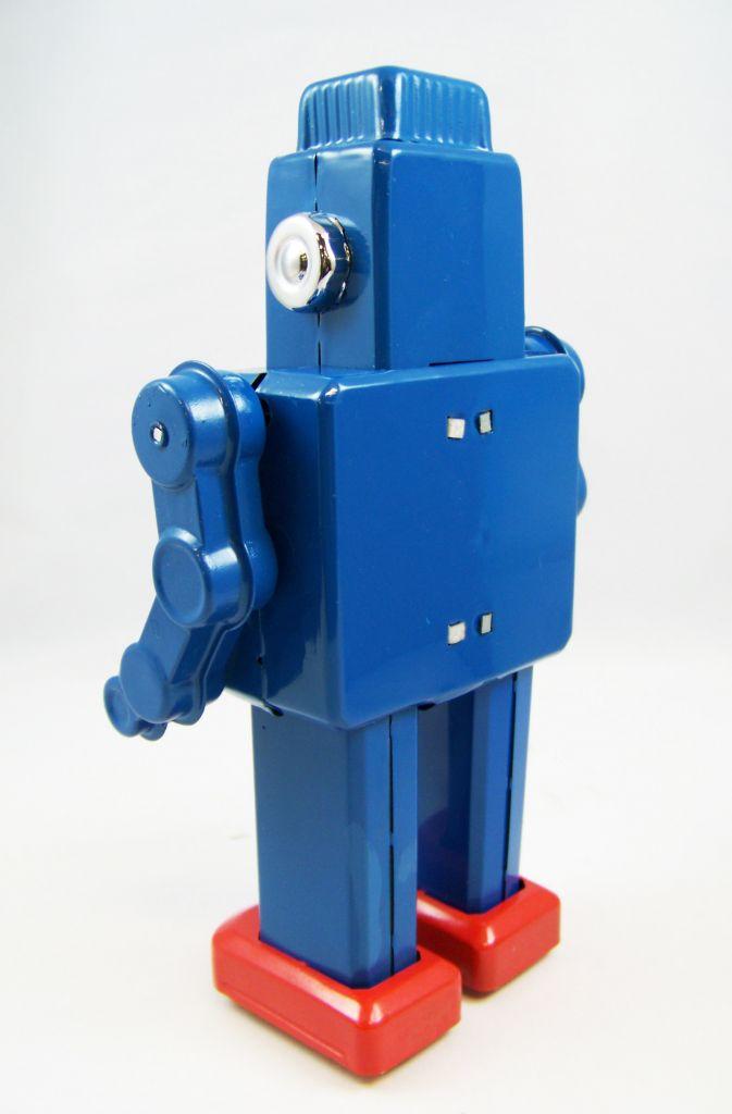 robot___robot_marcheur_mecanique_en_tole___smoking_space_03