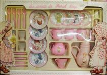 Sarah Kay\'s dinette set (mint in box)