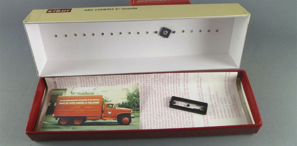 Sibur 4004 Gmc Cckw 353 P.C. Fire truck Near Mint in box