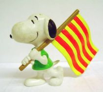 Snoopy - Comic Spain PVC Figure - Snoopy Flag Carrier (Yellow & Red Strip)