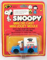 """Snoopy - Hasbro Aviva - Mini Die-Cast \""""Mailman Snoopy\"""""""