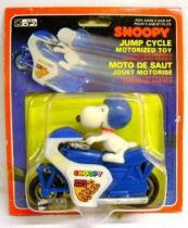 Snoopy - Hasbro Aviva - Snoopy Jump Cycle