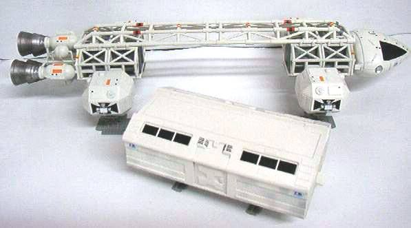 Space 1999 - Product Enterprise/Carlton - Eagle Transporter Scale 1:72