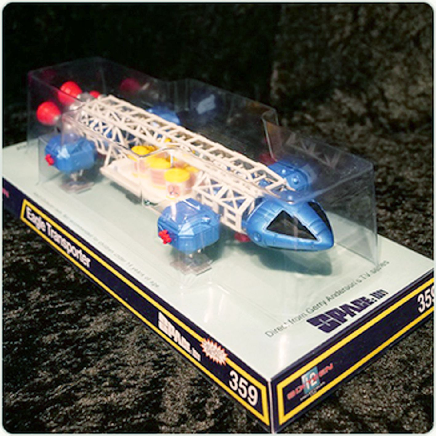 Space 1999 (Cosmos 1999) - Retro Die-cast Model Eagle Freighter (Aigle Cargo) - Sixteen 12