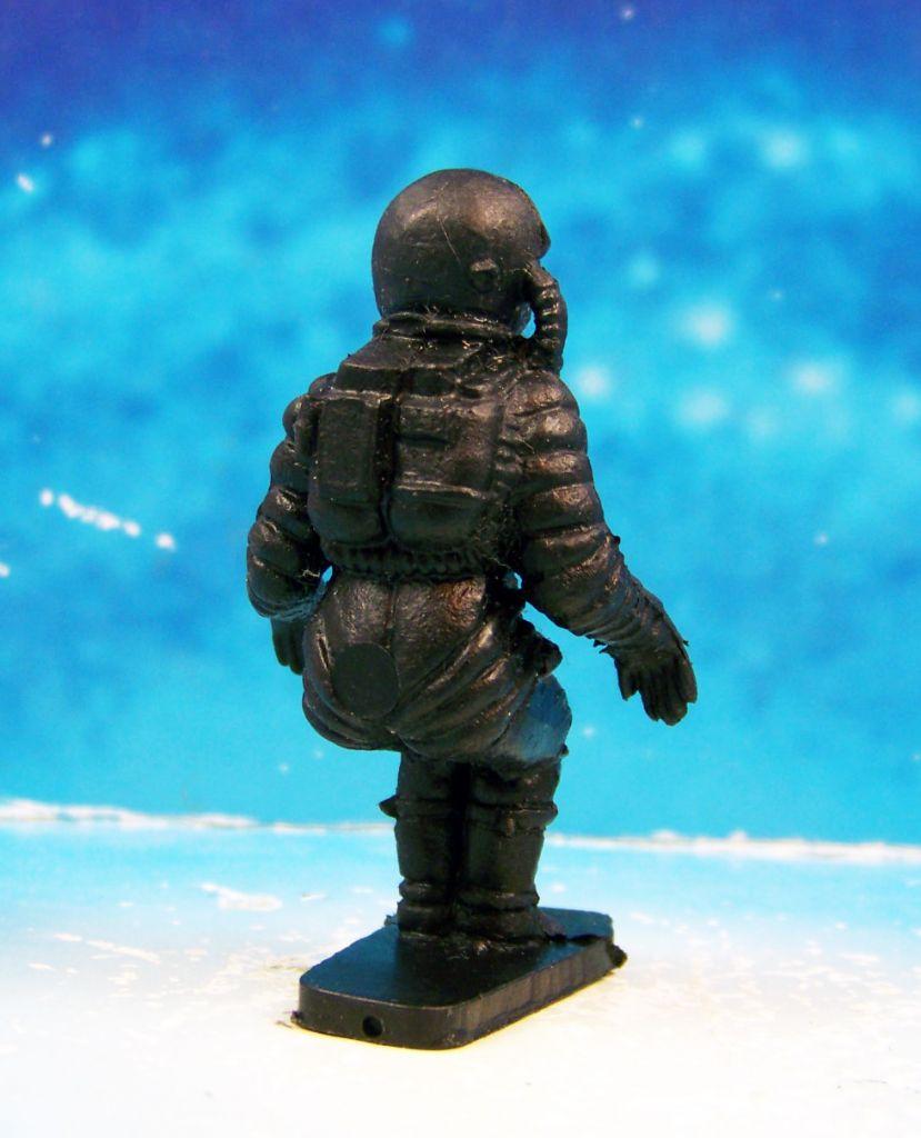 Space Toys - Figurines Plastiques - Cosmonaute assis (Bonux couleur noire) 02