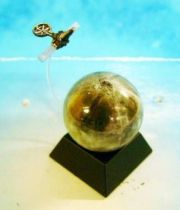 Space Toys - The Royal Museum of Science: StarTales - Lunar Globe & Ranger 7 (Kaiyodo 2003)