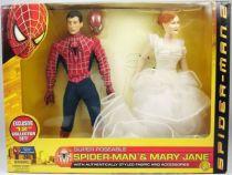 spider_man_2_film_2004___figurines_30cm_peter_parker___mary_jane___toy_biz