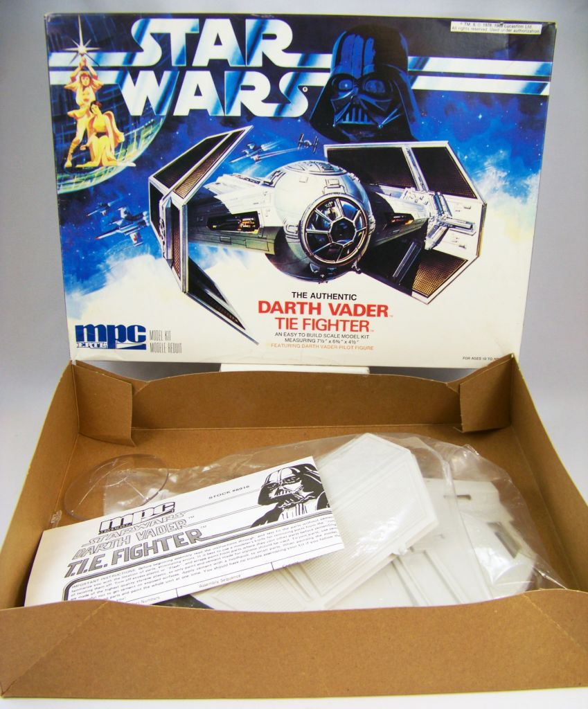Star Wars - MPC ERTL (Commemorative Edition) - Darth Vader  TIE Fighter 04