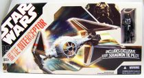 Star Wars (30th Anniversary) - Hasbro - TIE Interceptor Elite (includes 181st Squadron TIE Pilot)