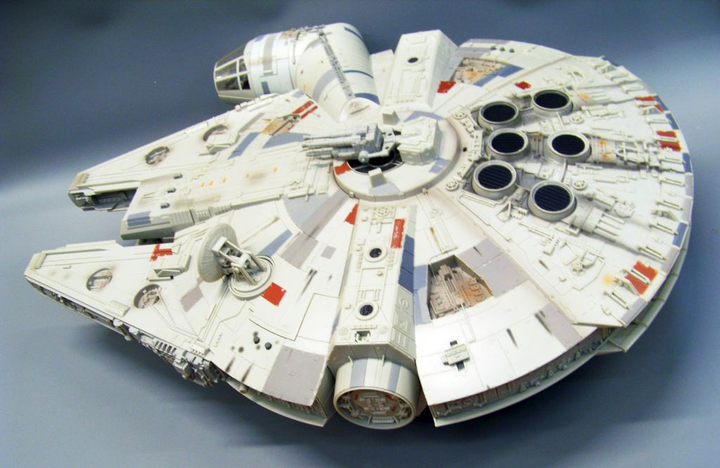 Star Wars (Legacy Collection) - Hasbro - Millennium Falcon (with Han Solo & Chewbacca) loose