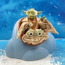 Star Wars (Loose) - Kenner/Hasbro - Yoda w/Jedi Concil Chair