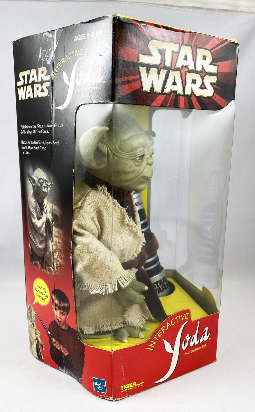 Star Wars Episode 1 - Hasbro/Tiger Electronics - Interactive Yoda and Lightsaber