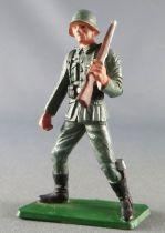 Starlux - 2ème GM - Allemand - Soldat Fusil épaule gauche jambes écartées(réf XXX)