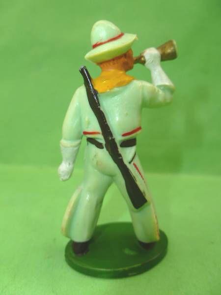 Starlux - Cow-Boys - Série 46 - Piéton Clairon & fusil en bandouilliere (vert pale) (réf CB7)