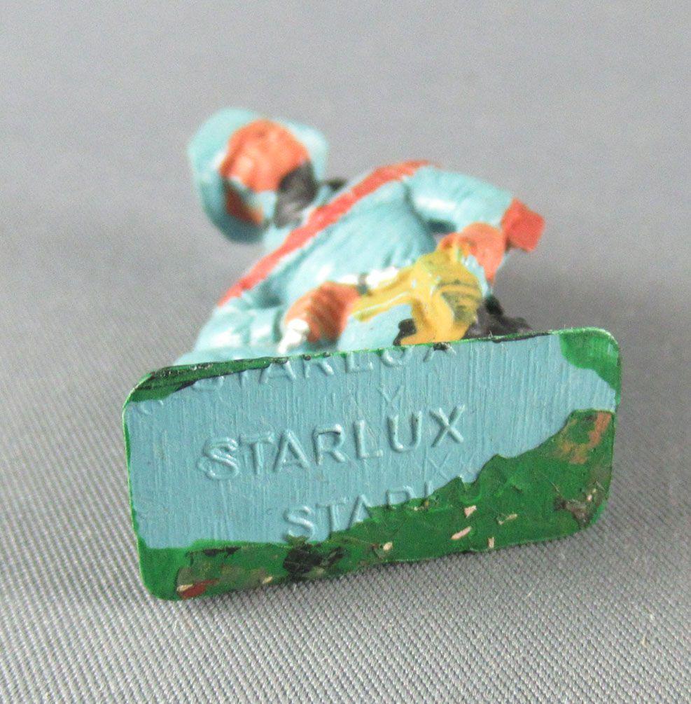 Starlux - Cow-Boys - Série 77 ordinaire - Piéton à genoux révolver (bleu) (réf 126)