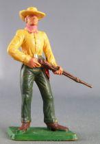 Starlux - Cow-Boys - Série 77 ordinaire - Piéton fusil devant (jaune & vert) (réf 130)