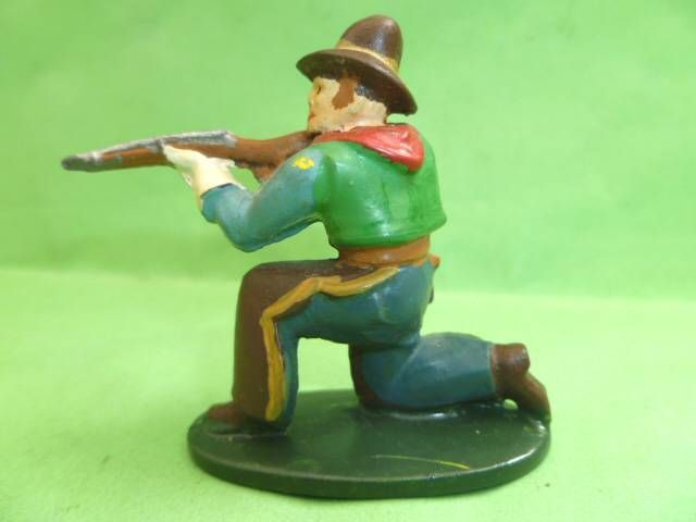 Starlux - Cow-Boys - Series 46 - Footed Firing rifle kneeling (blue & brown) (ref CB2)