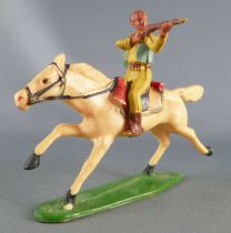 Starlux - Cow-Boys - Series 53 - Mounted Firing rifle (yellow) white galloping horse (ref 411)