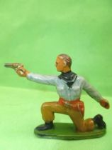 Starlux - Cow-Boys - Series 57 (Regular) - Footed kneeling firing gun (grey & ochre) (ref 124)