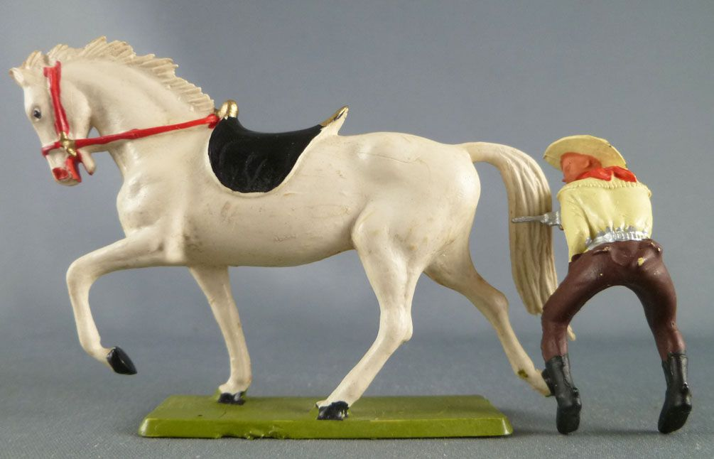 Starlux - Cow-Boys - Series 61 (Regular) - Mounted pistol on front (yellow & brown) white horse (ref 416)