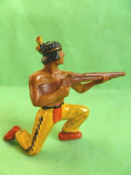 Starlux - Indiens - Série Luxe 55/56 - Piéton Tireur fusil genoux (réf 2142)