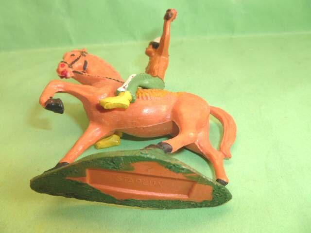 Starlux - Indiens - Série Ordinaire 53 - Cavalier Torche (vert) cheval orange au pas (réf 439)