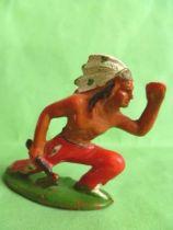 Starlux - Indiens - Série Ordinaire 53 - Piéton Guetteur hache à genoux (rouge) (réf 151)