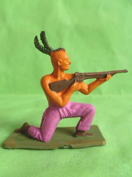 Starlux - Indiens - Série Ordinaire 57 - Piéton Tireur Fusil genoux (violet) (réf 142)