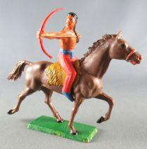 Starlux - Indiens - Série Ordinaire 65 - Cavalier Tireur à l\'arc (rouge) cheval marron trotp (réf 427)