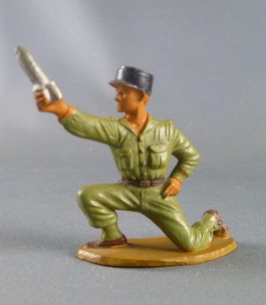 Starlux - Légionnaires - Série Luxe - Combattant servant mortier képi noir (réf 5087)