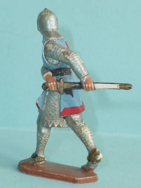 Starlux - Middle-age - serie 58 - ref  6010 (white base) - footed crusader decladding is sword (blue)