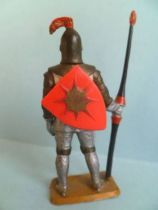 Starlux - Middle-age - serie 58 - ref  6011 (ivory) - footed knight in armor with spear (red shield - grey armor)