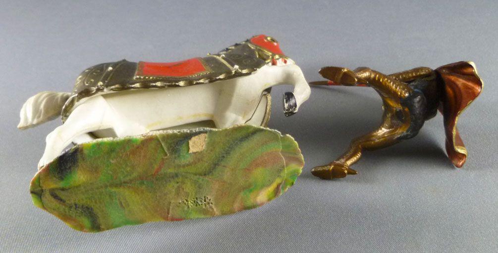 Starlux - Moyen-âge - série 59 - réf 6103 - Cavalier pieu & cape cheval blanc caparaçon