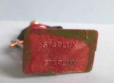 Starlux - Moyen-âge - série Luxe Spéciale 76 - piéton Chevalier français cotte de maille (réf MPL 74)