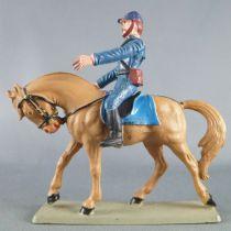 Starlux - Nordistes - Série ordinaire - Cavalier badine regardant devant (bleu marine) cheval marron tête baissée (réf CN7)